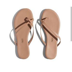 Tkees Riley sandal in Beach Bum